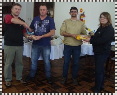 Alimentos foram doados para APAE e CERENE.